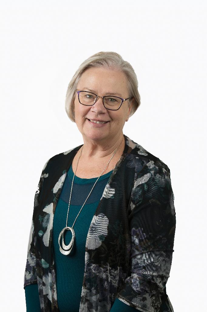 Dr Bernadette Miles