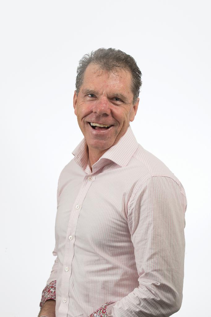 Mr Paul O'Brien